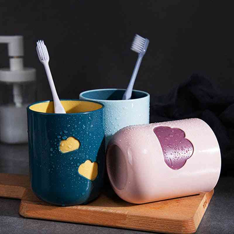 Cloud Pattern, Durable And Easy To Clean Toothbrush Cup