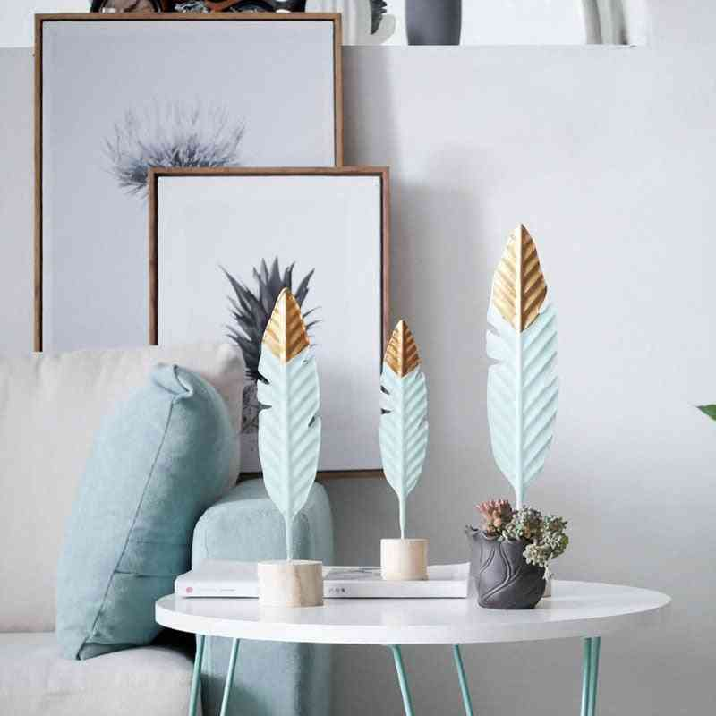 Modern Wooden Feather, Christmas Tree, Bird, Gypsophila, Pampas