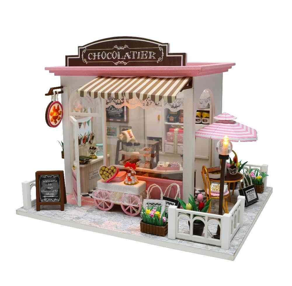 Wooden Dollhouse With Furnitures - Miniaturas For