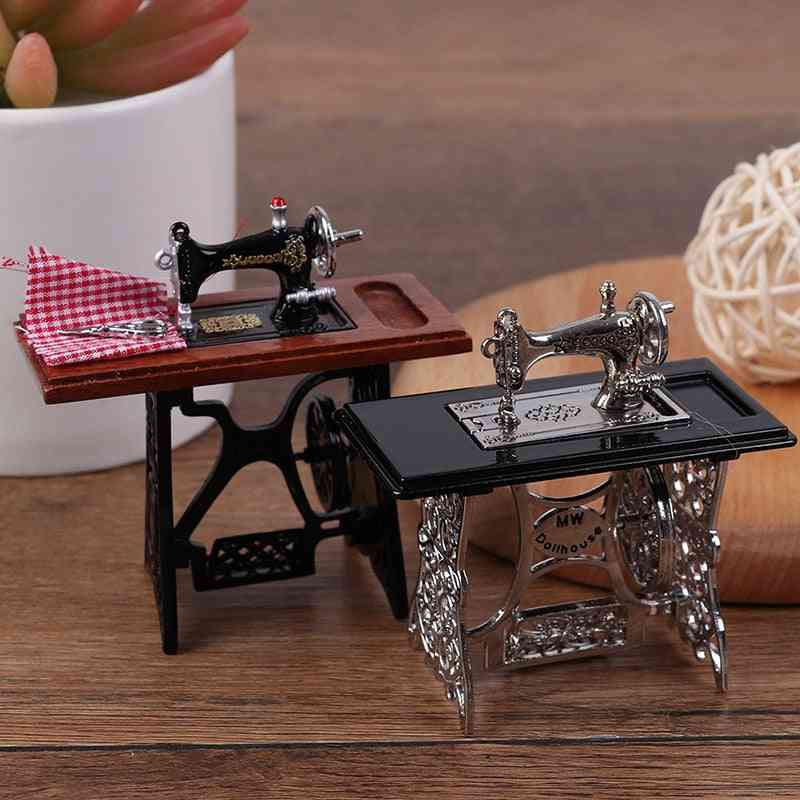 Kids Dollhouse Decor- Miniature Furniture Wooden Sewing Machine With Thread Scissors Accessories For Dolls House For