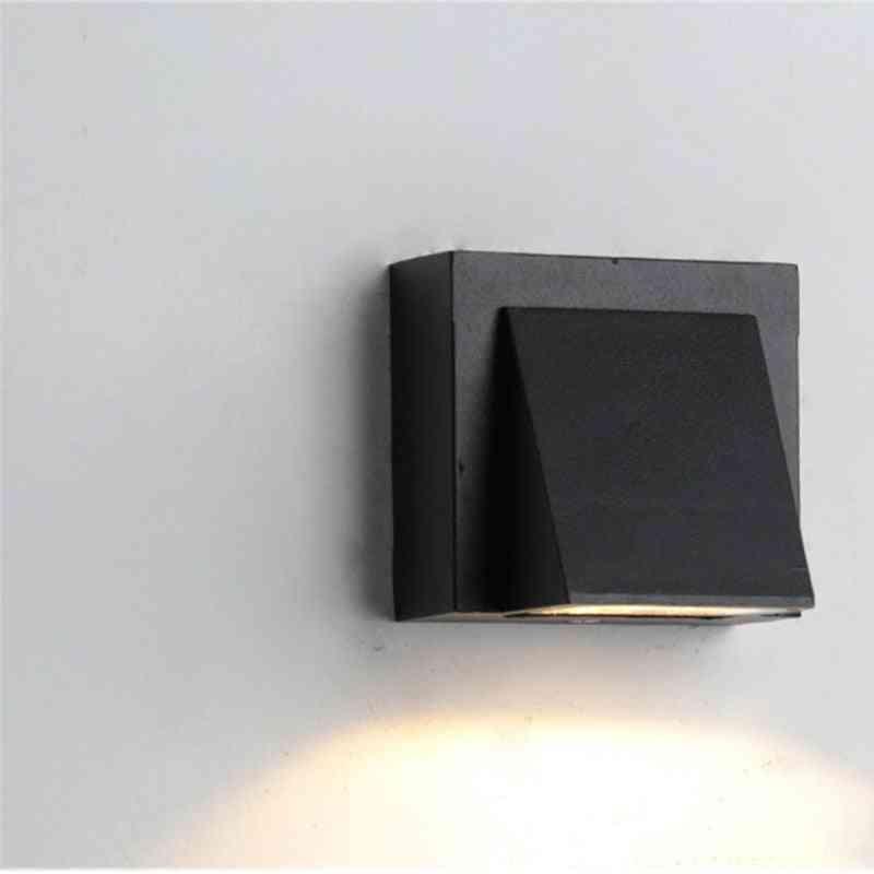Modern Simple Creative Outdoor Wall Lamp
