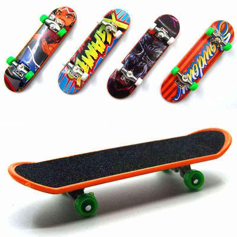 Mini Plastic Finger Skateboard