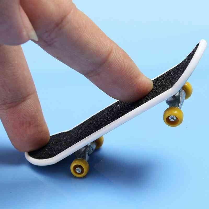 High Quality Cute Party Favor Kids Children Mini Finger Board