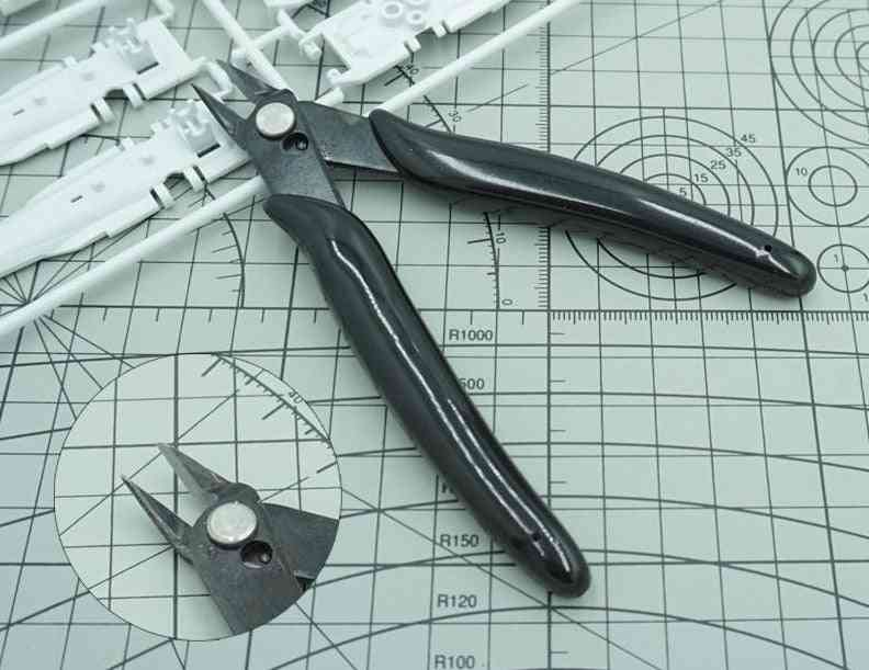 Diagonal Pliers - Diy Hand Model