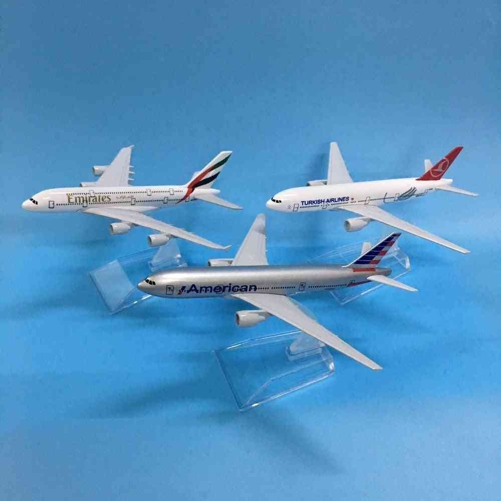 Aircraft Model, Diecast Metal, 1:400 Airplane