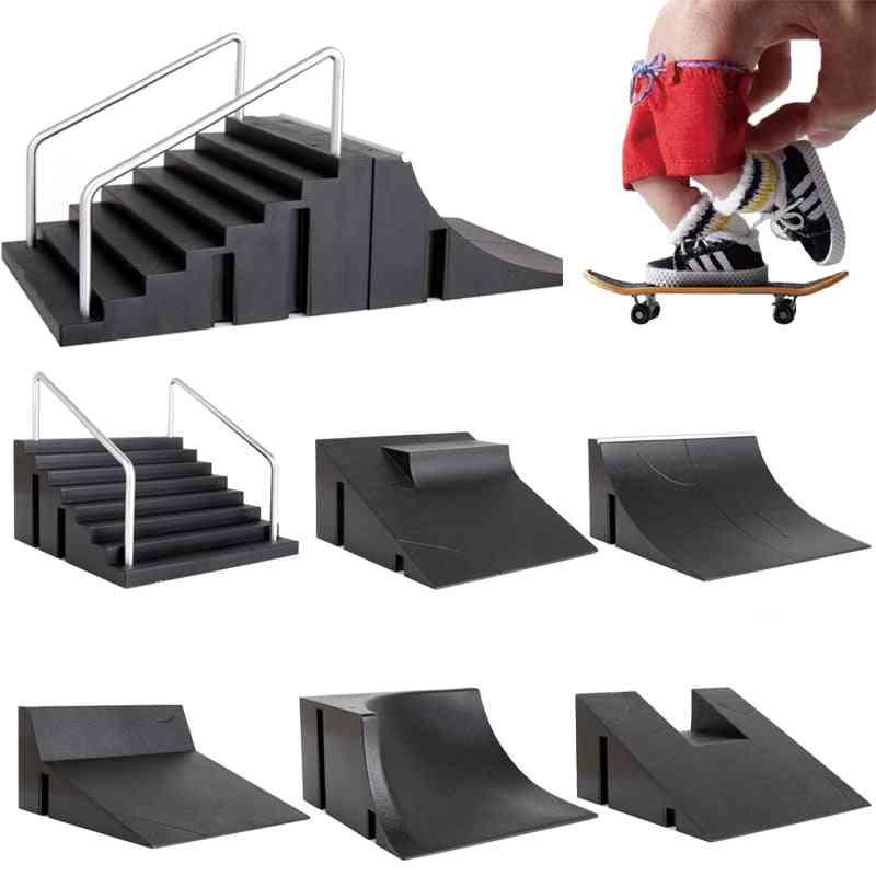 Finger Skateboards Skate Set - Tech Practice Deck Extreme Sport Toy