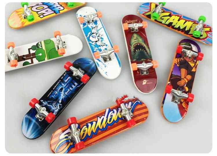 Cute Party Favor Mini Finger Board, Alloy Skate Boarding