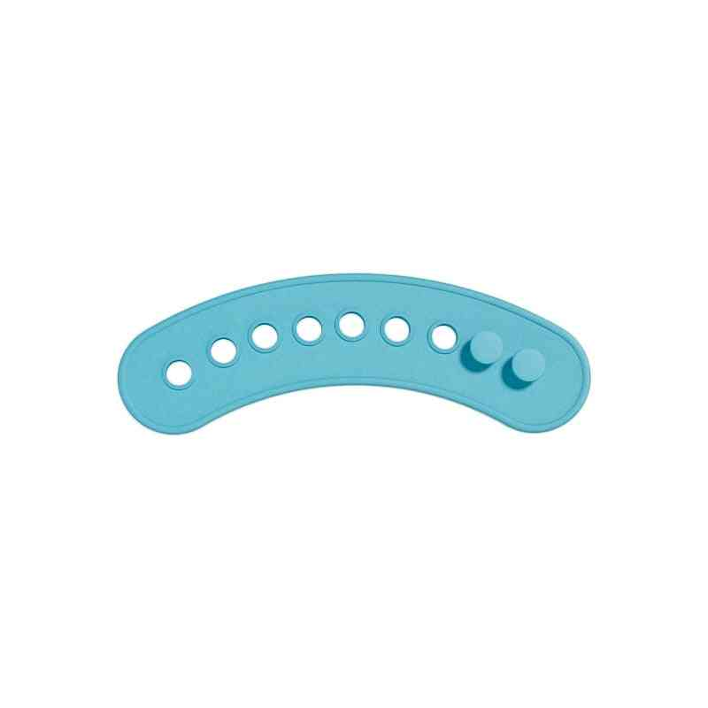 Adjustable Animal Picture Waterproof Saliva Dripping Bibs- Soft Edible Silicone Ssaliva Towel