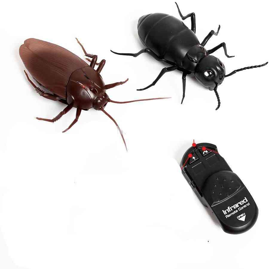 Infrared Remote Control Giant Cockroach, Ant- Electric Toy For Adult- Prank Insect