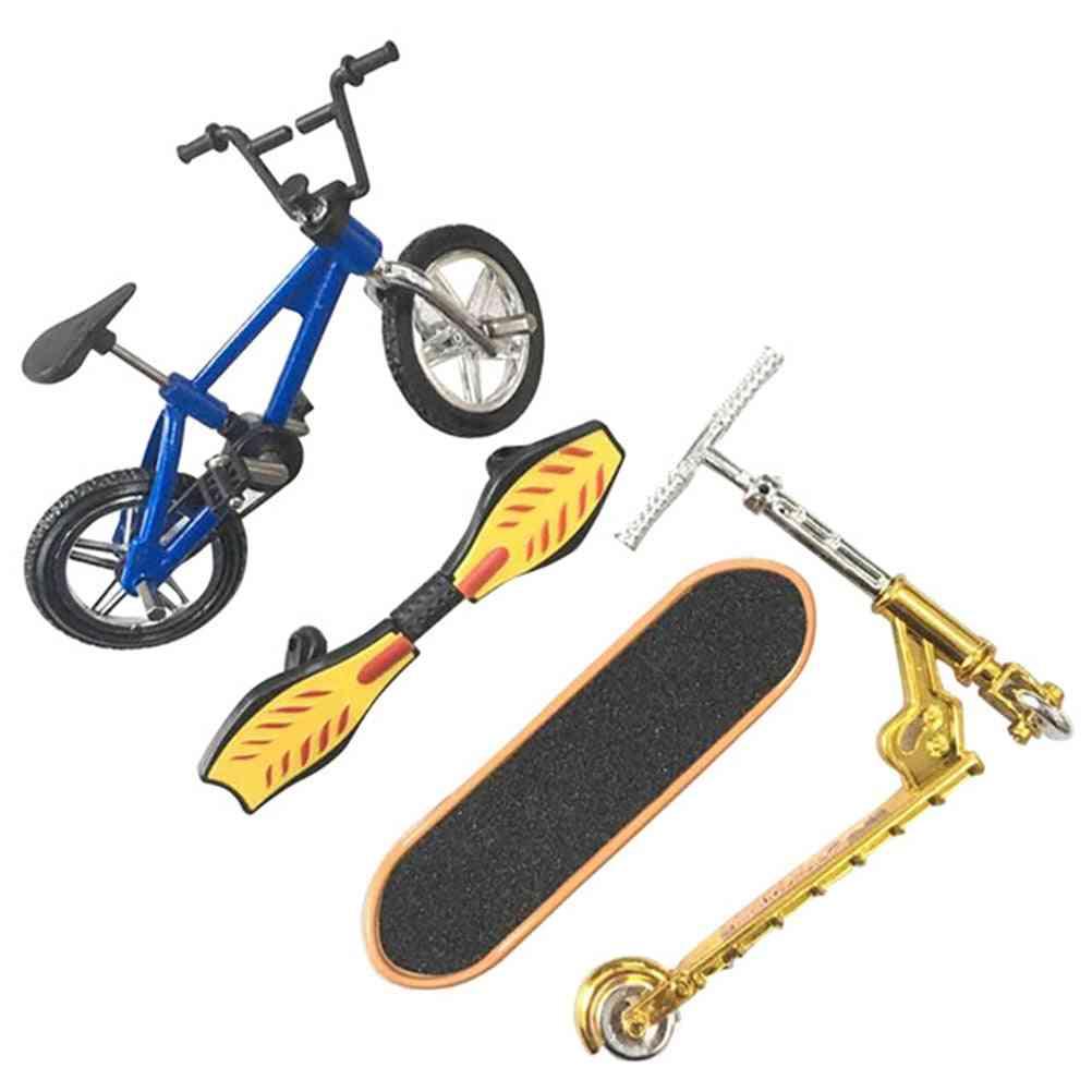 Mini Finger Skateboarding Plastic, Scooter, Classic Chic Game, Desk
