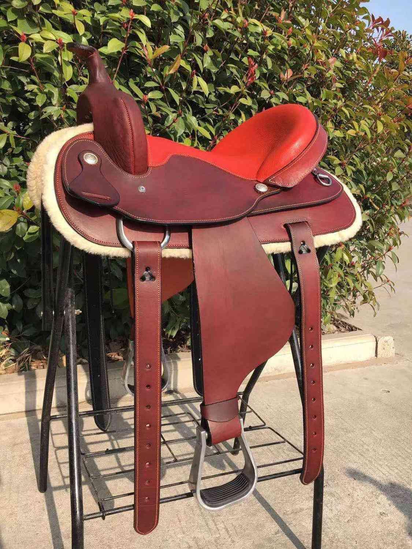 Genuine Leather Integrated Horse Riding Saddle