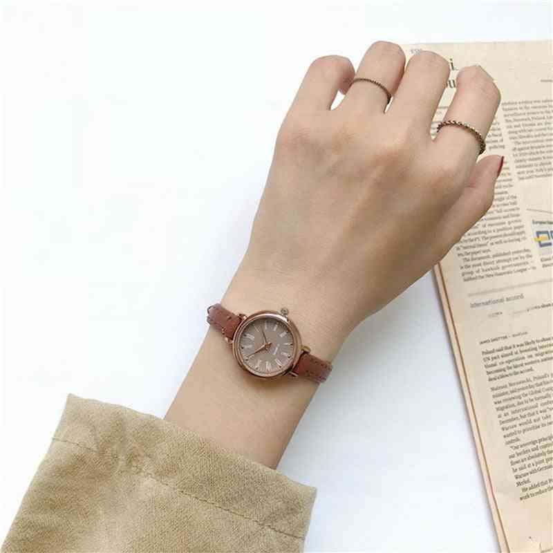 Retro Vintage Women Watches Qualities Small Ladies Wristwatches Leather Bracelet Clock