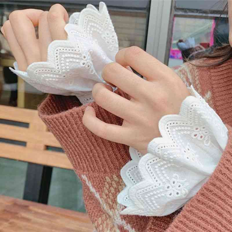 Women's Pleated Ruffles Embroidery Fake Cuffs