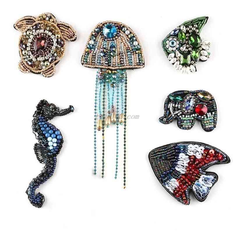 Handmade Beaded Rhinestone Cloth Patch Marine Animal Faux Crystal Sewing Emblem Badge Jellyfish Diy Clothes Applique