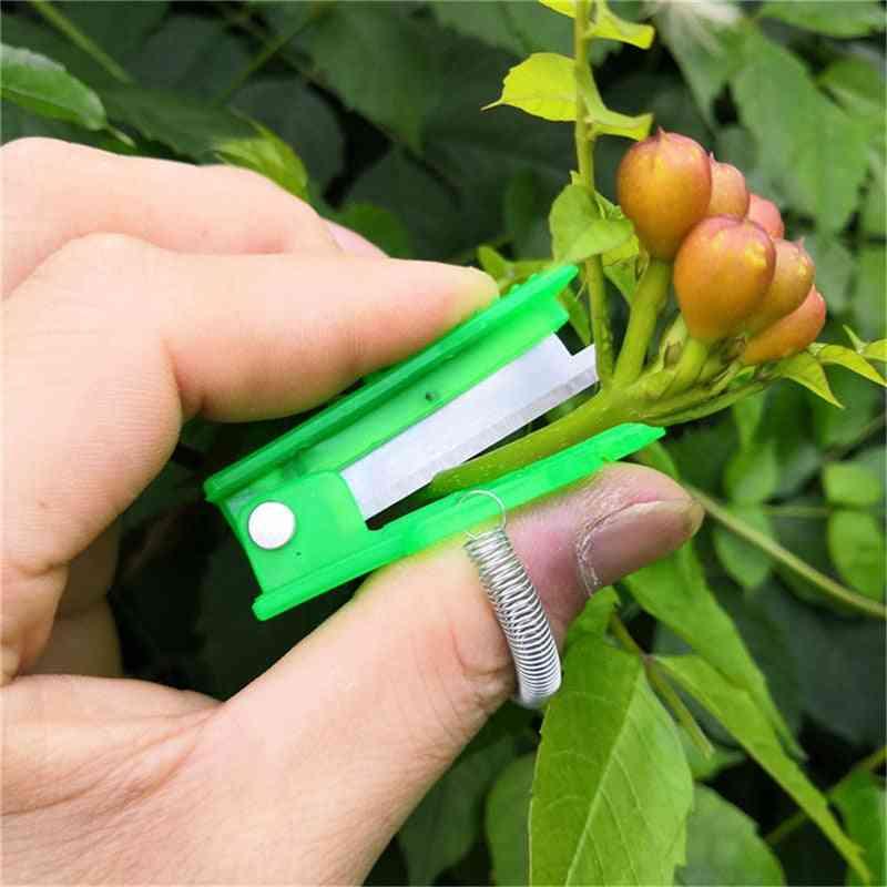 Mini Garden Pruner Fruit Picking Device, Multifunction Thumb Knife Safe Blade Tool