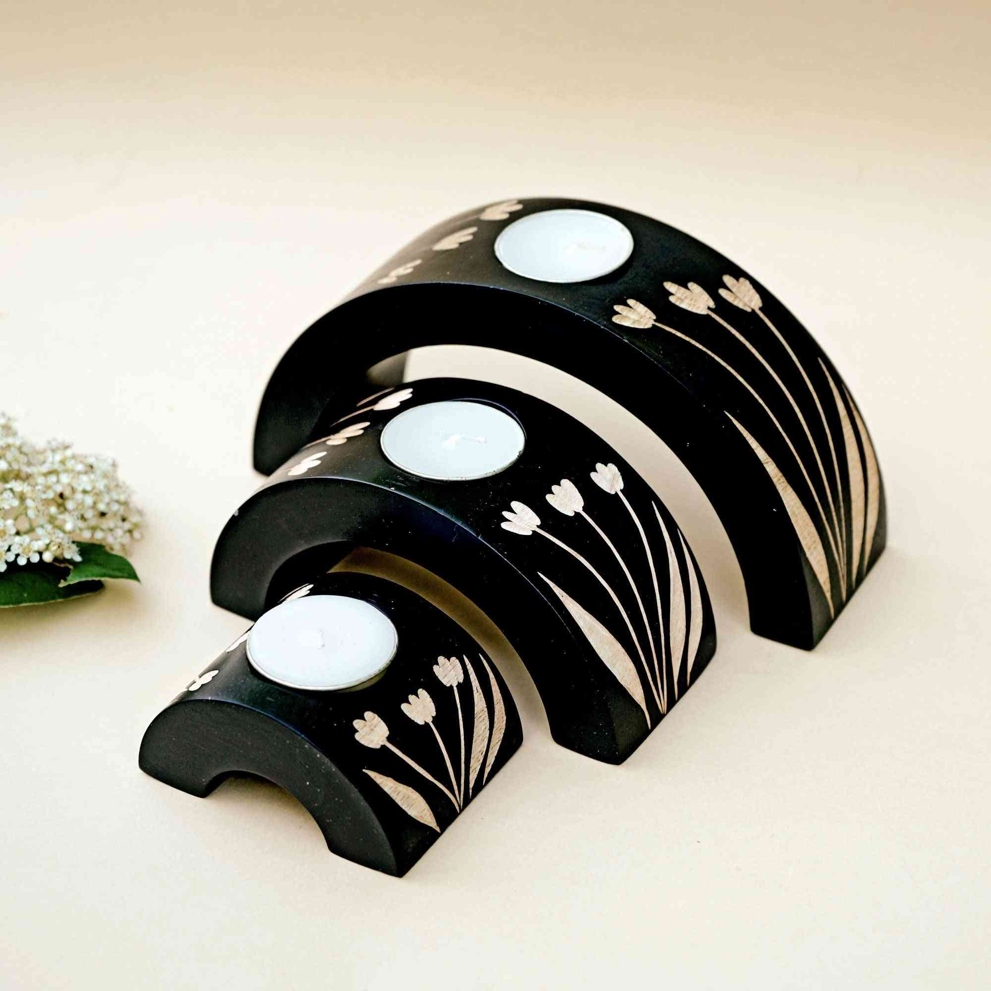 Wooden Crescent Tealight Holder Set In Tulip Design