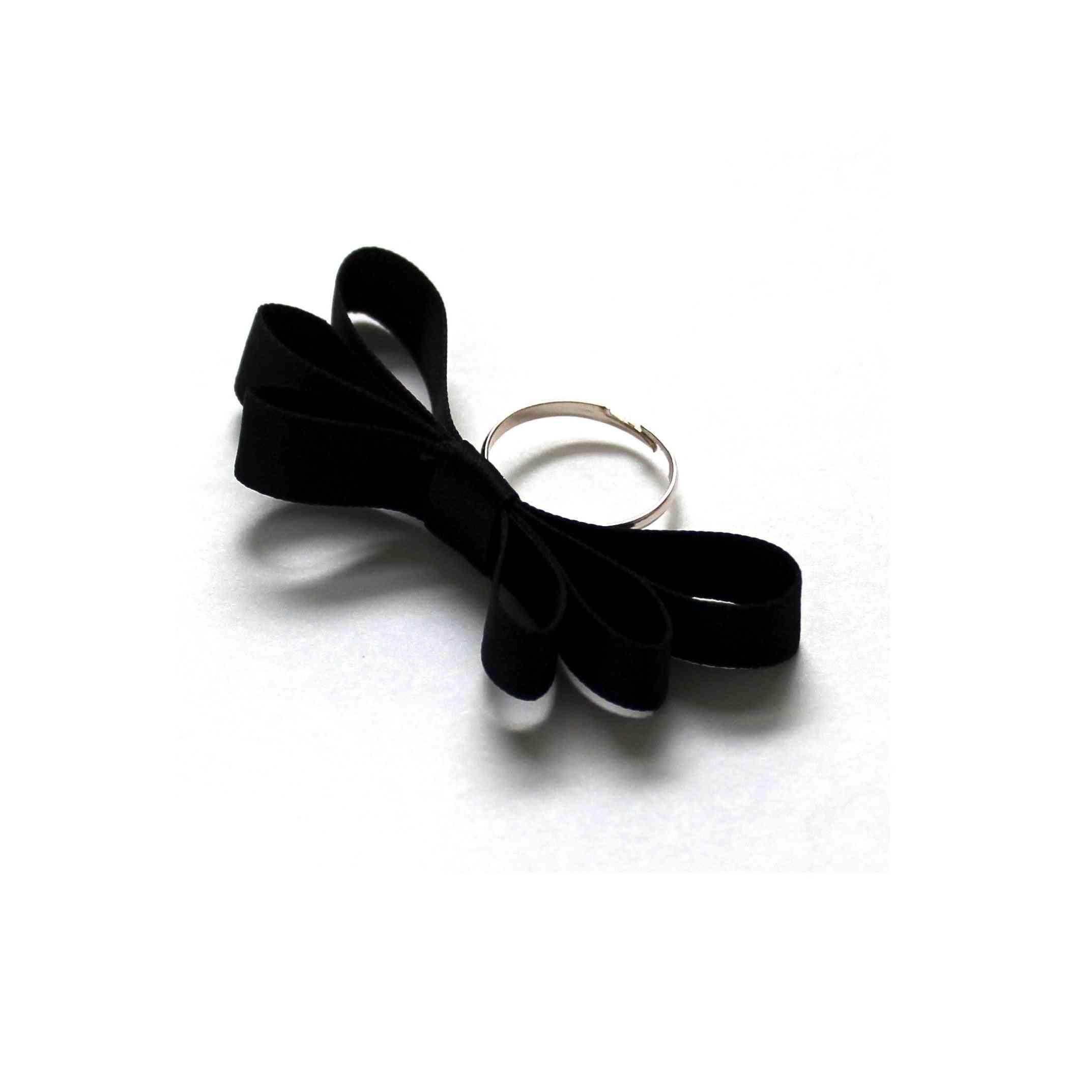 Ultra-feminine Bow Highness Ring