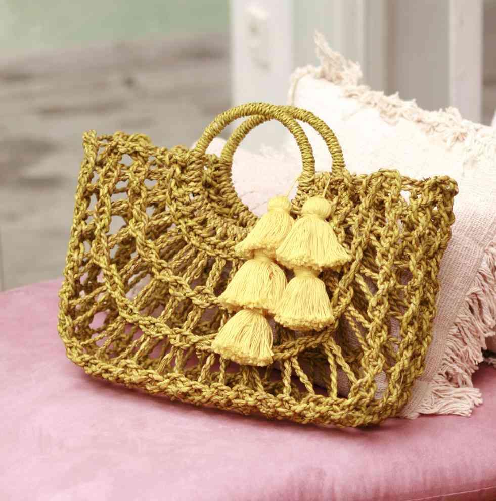 Dayu Straw Bag With Tassels