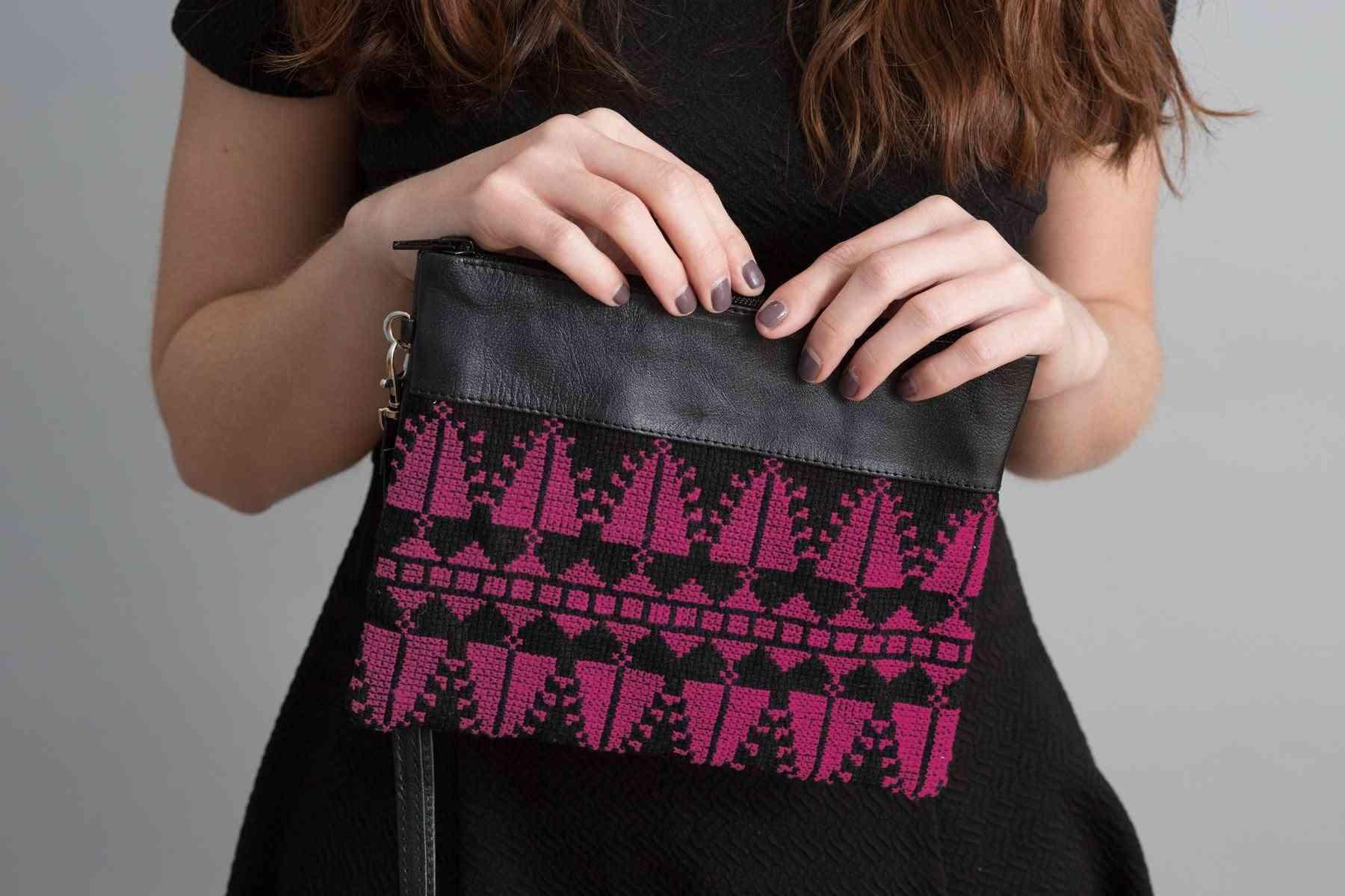 Handcraft Wristlets Bags