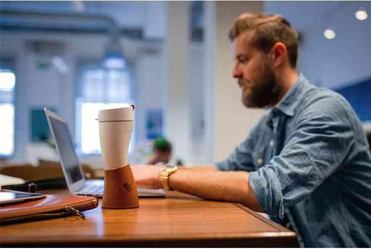 Moder Design Horn Cup