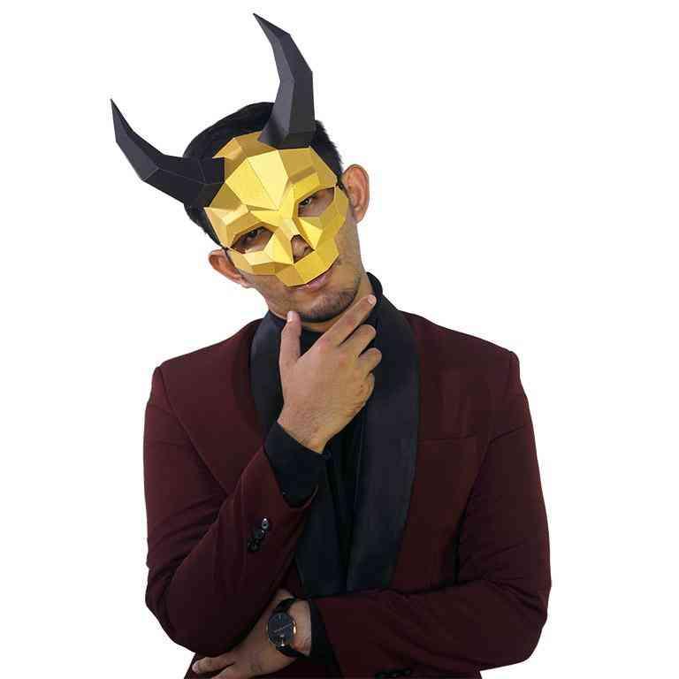 3d Shape Long Horned Skull Mask