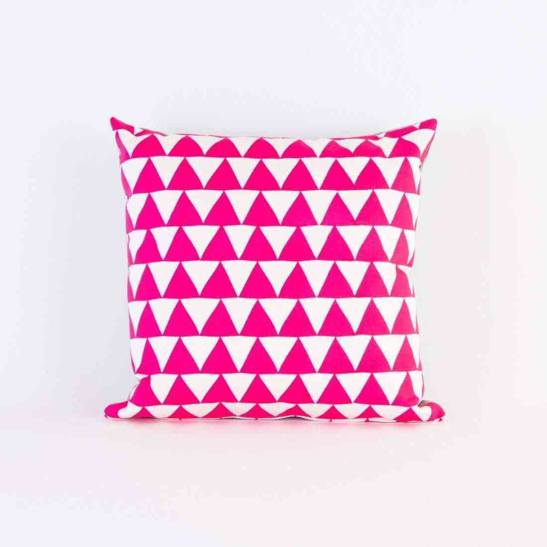 Hot Pink Mountains Of Montana Triangle Screen Cover