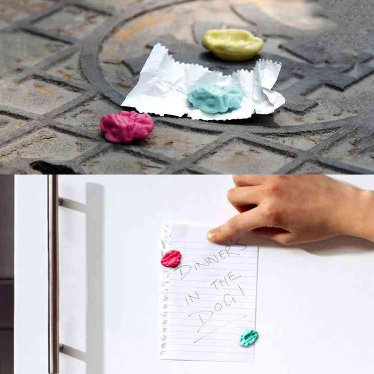 Chewing Gum Magnet
