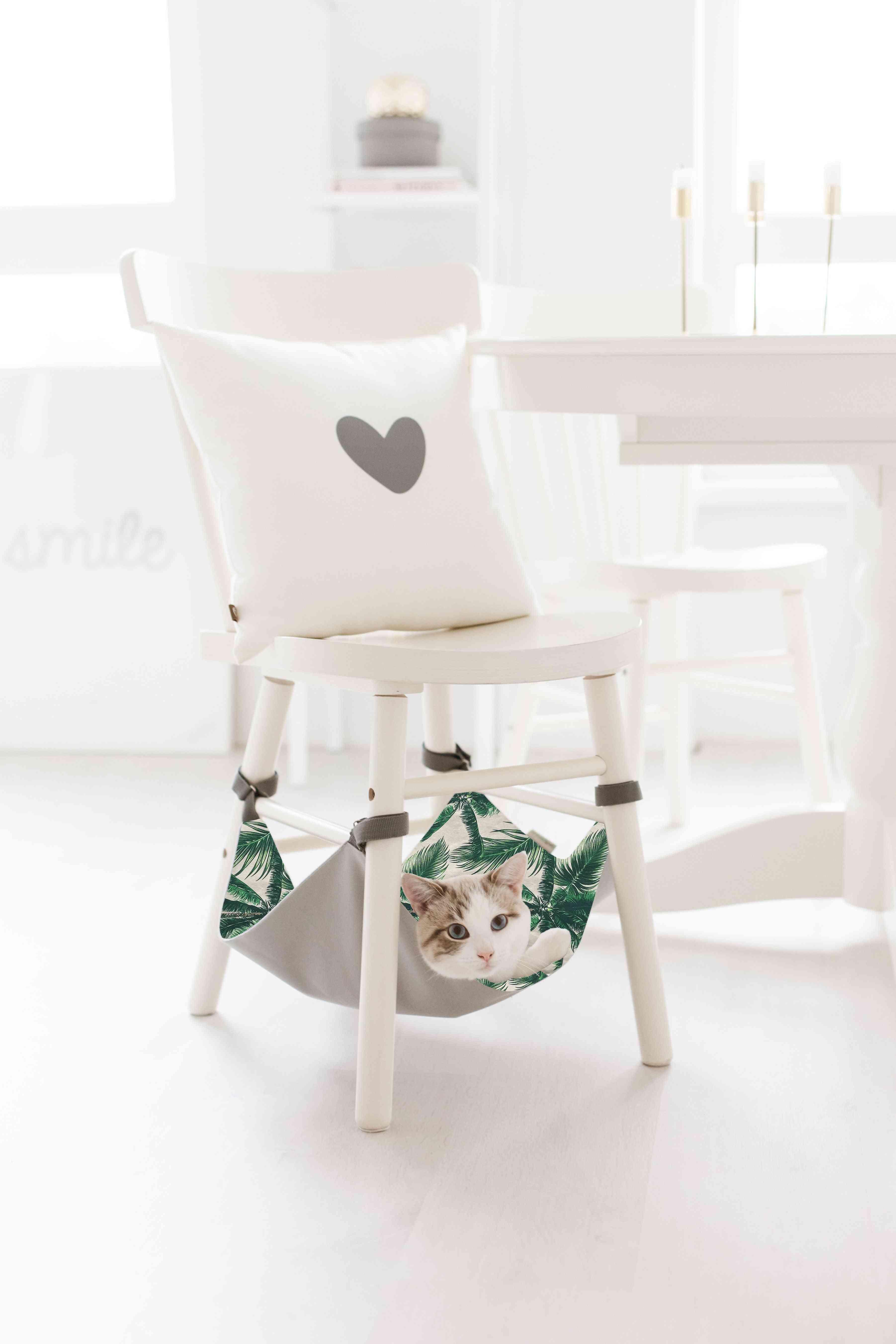 Saveplace® Hanging Mat For Storage & Pets – Holidays