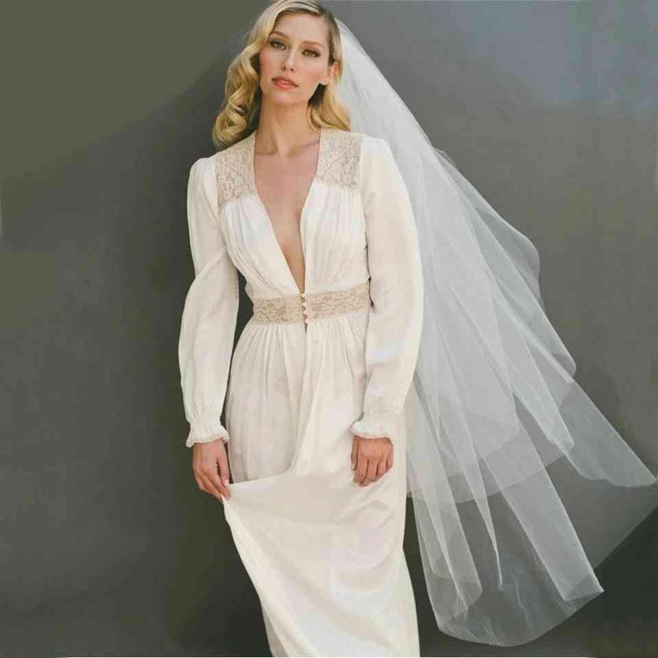 Simple White Bridal Veil