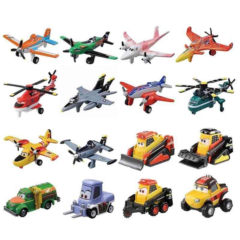 Disney 3 Planes Dusty Crophopper El Chupacabra Skipper Skipper Toy