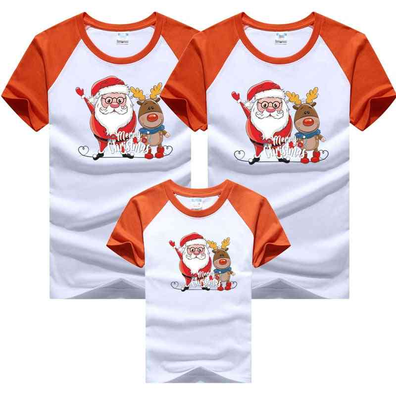 Family Dad Mom Baby T-shirts