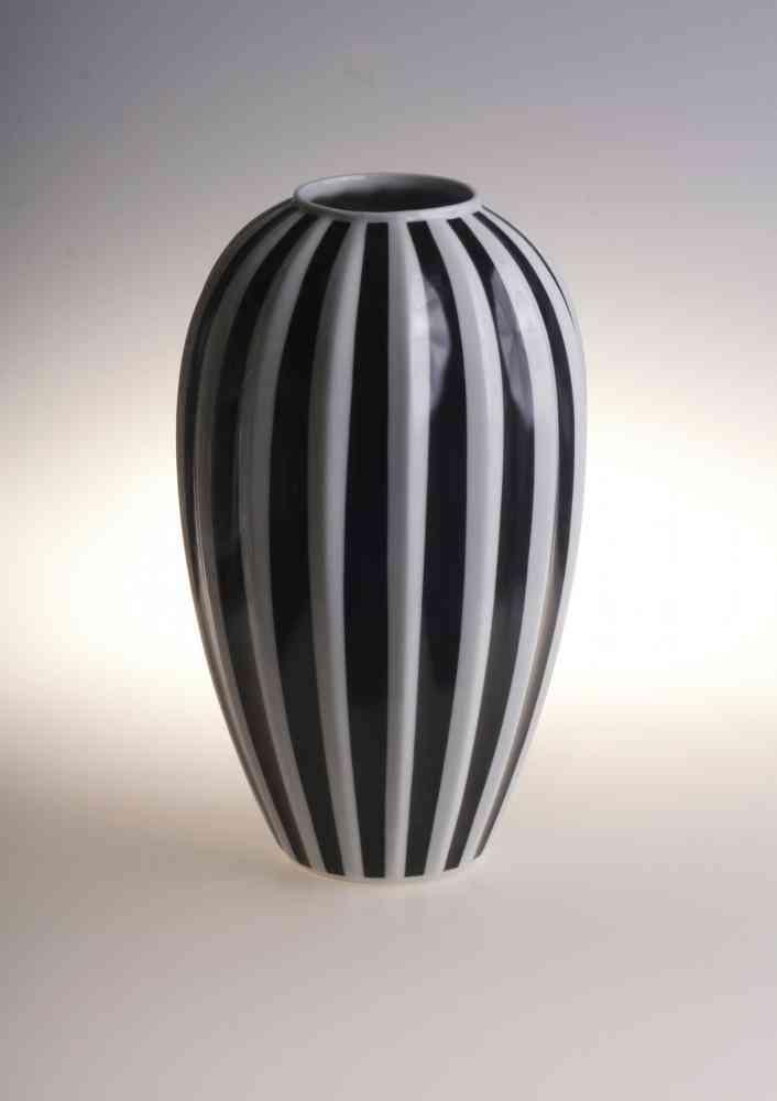 """Retro Style Porcelain Flower Vase L 12"""" Height"""