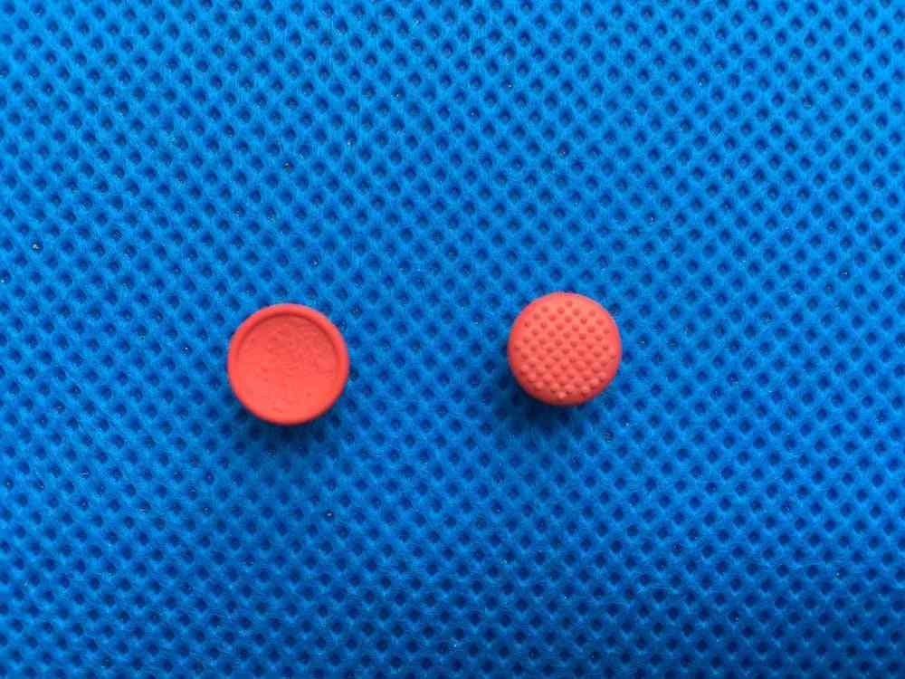 Red Ball Mouse Caps
