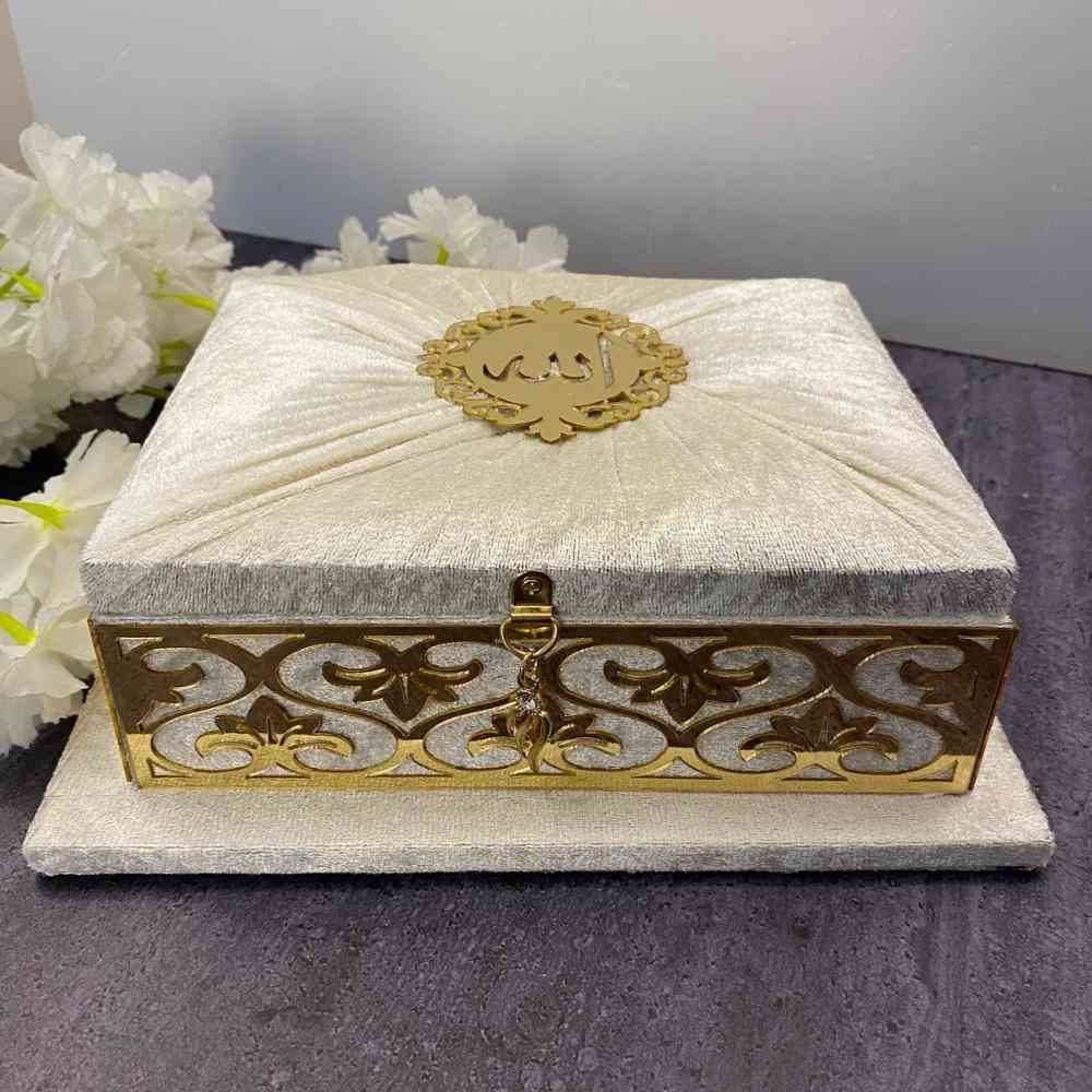 Holy Quran Set Velvet Covered With Beautiful Packed