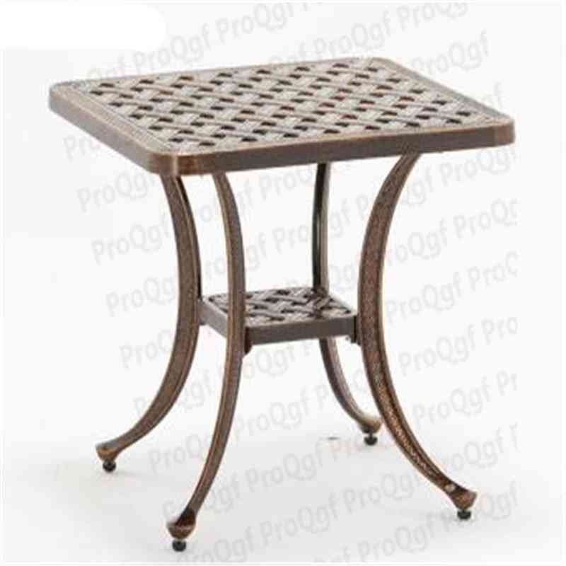 Ngryise  Villadom Star Iron Table