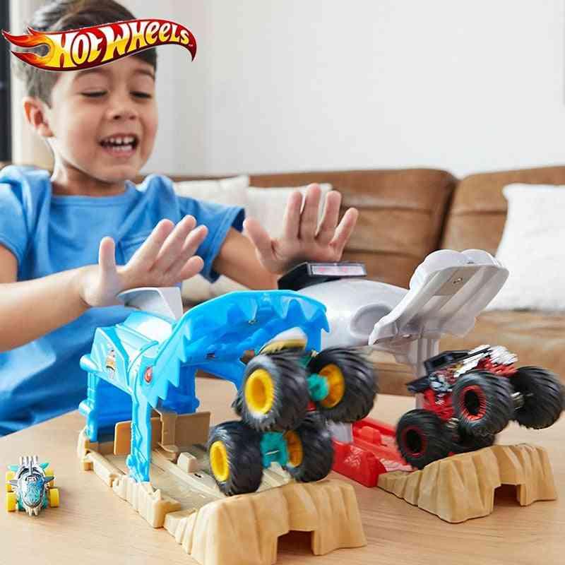 Monster Truck Pit And Launch Bone Shark Mt Garage Play Set Big Foot Car